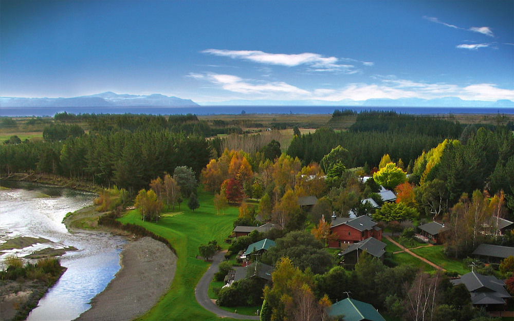 tongariro lodge, new zealand, trout fishing, tongariro river, aardvark mcleod