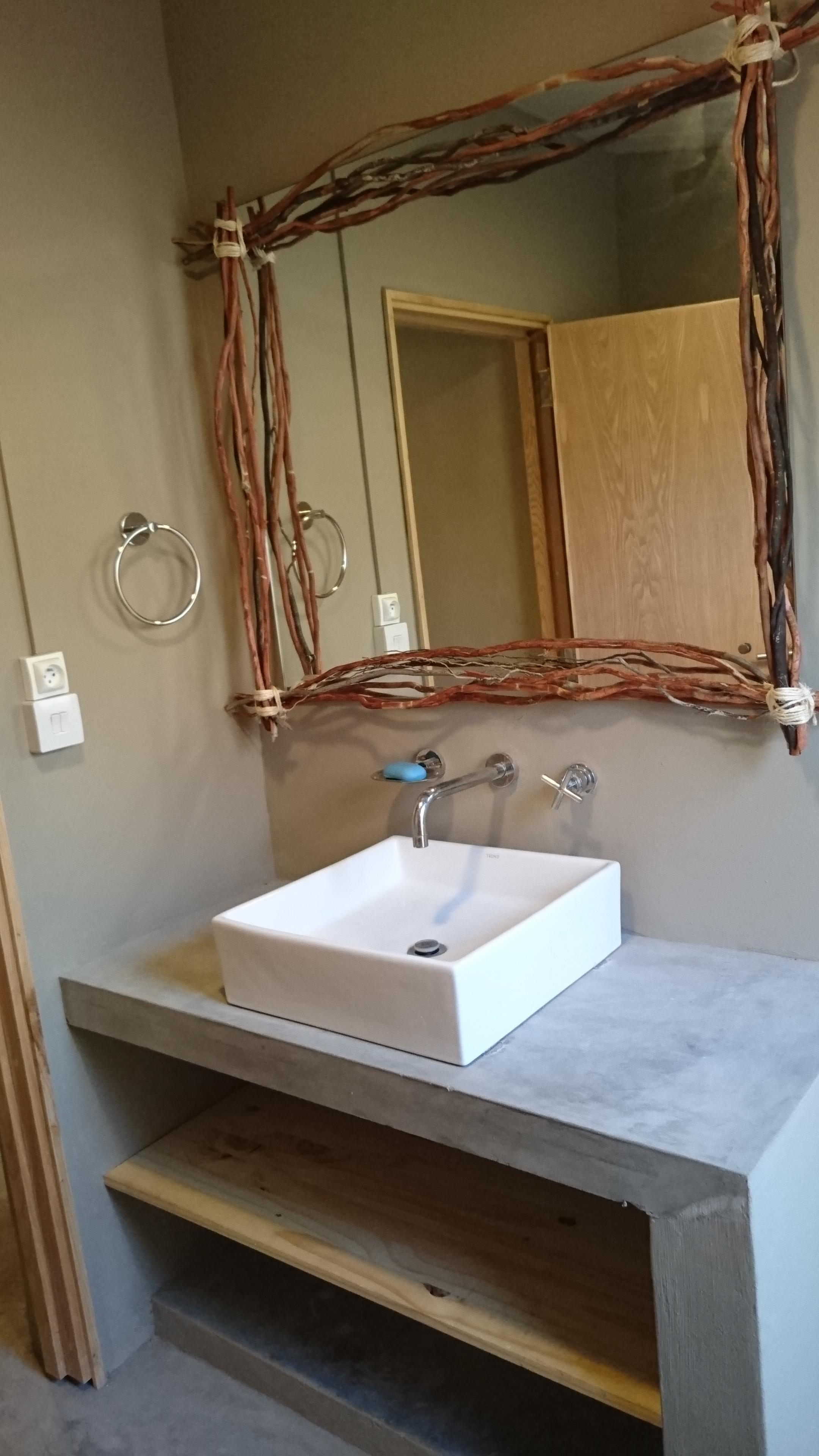 Guesthouse Bathroom 2