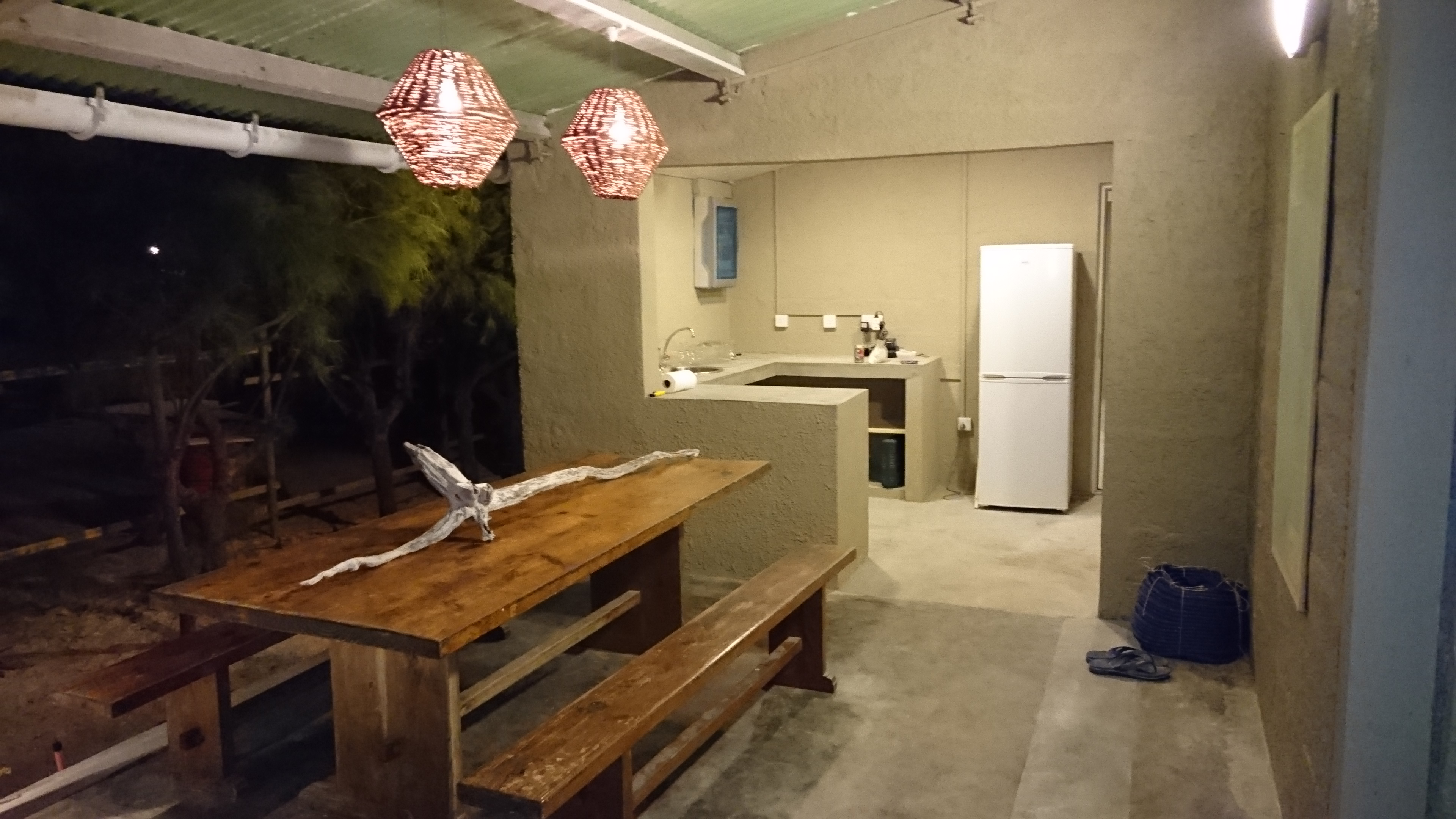 Guesthouse Dining Table and Bar Area