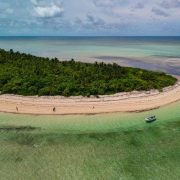 Providence Atoll, Seychelles, Aardvark McLeod