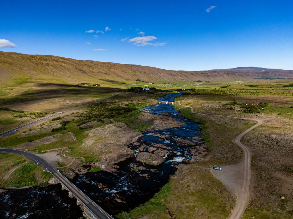 Laxa I Kjos, Iceland, Aardvark McLeod